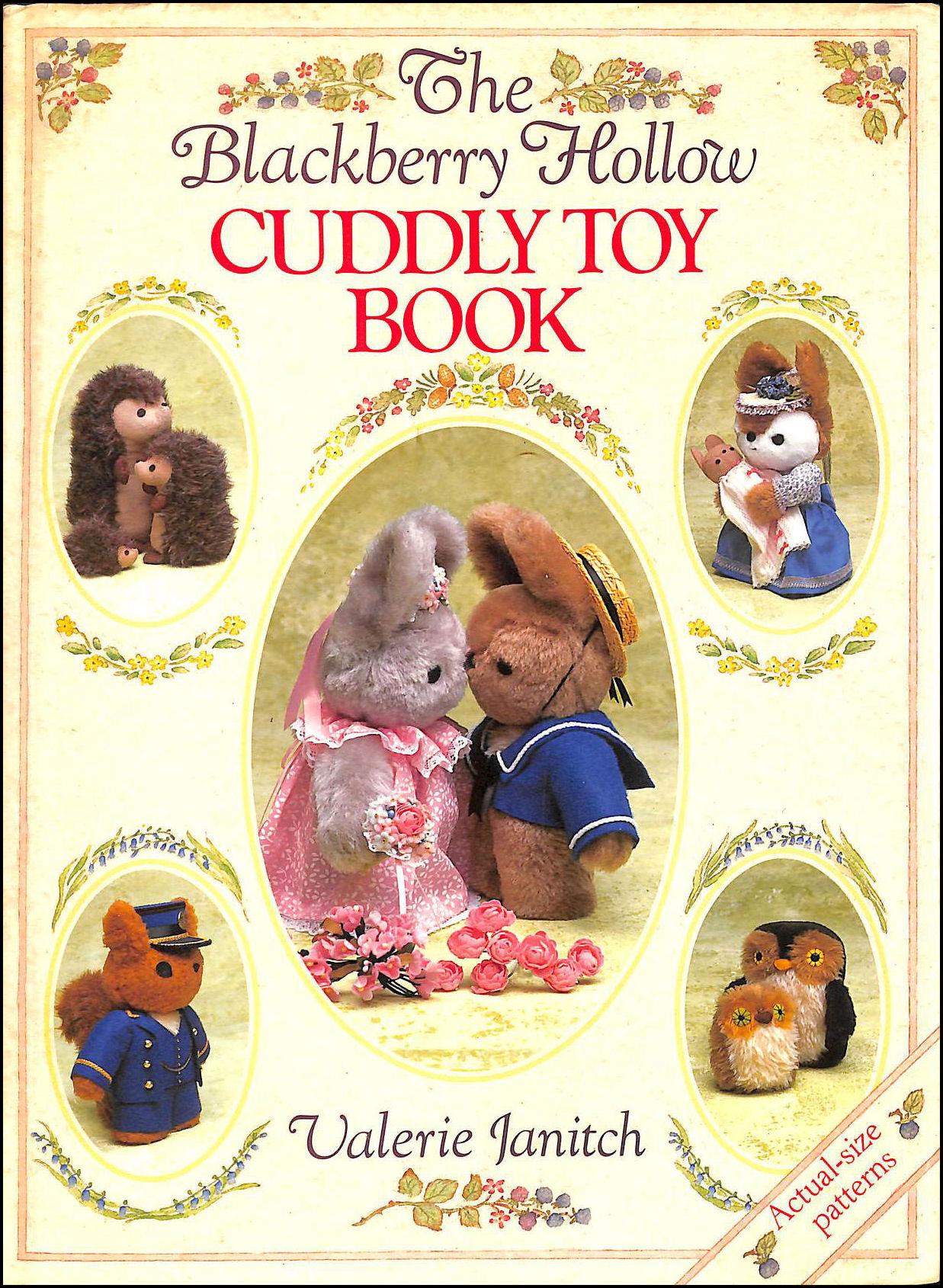 Image for The Blackberry Hollow Cuddly Toy Book (A David and Charles craft book)